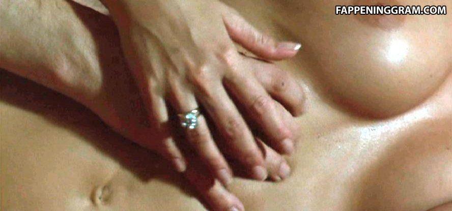 Katja flinnt nackt