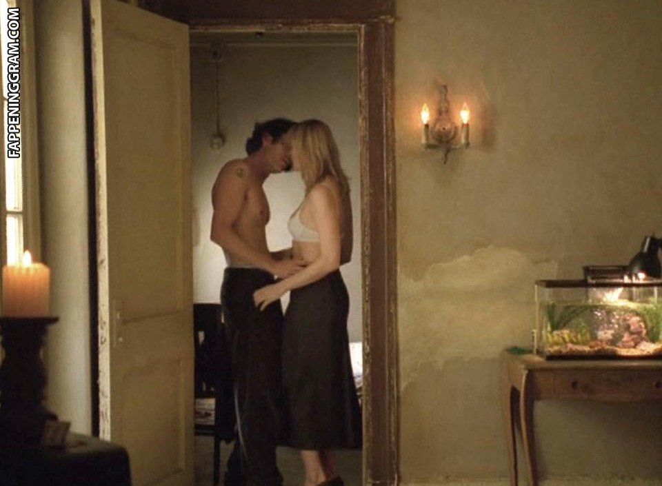 Kelly rutherford breasts scene in angels don't sleep here