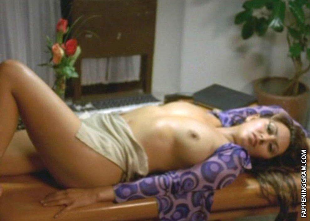 Mitsutomo nackt Saiko Angie Everhart