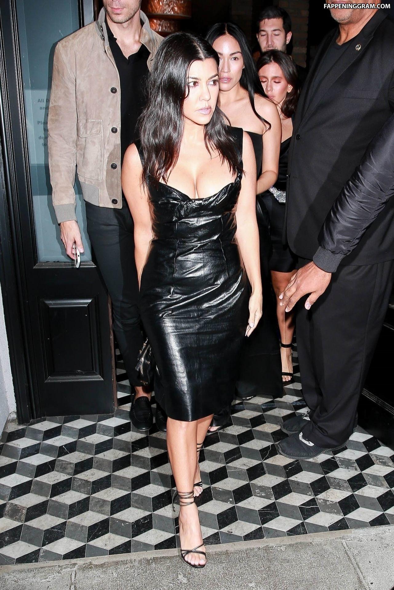 Sexy Photos of Kourtney Kardashian   The Fappening. 2014