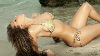 Laura Dore Nude Leaks