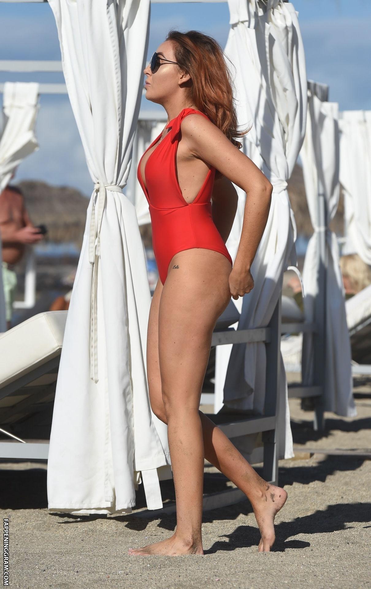 Laura Simpson Nude