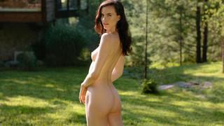 Lauren Buys Nude Leaks