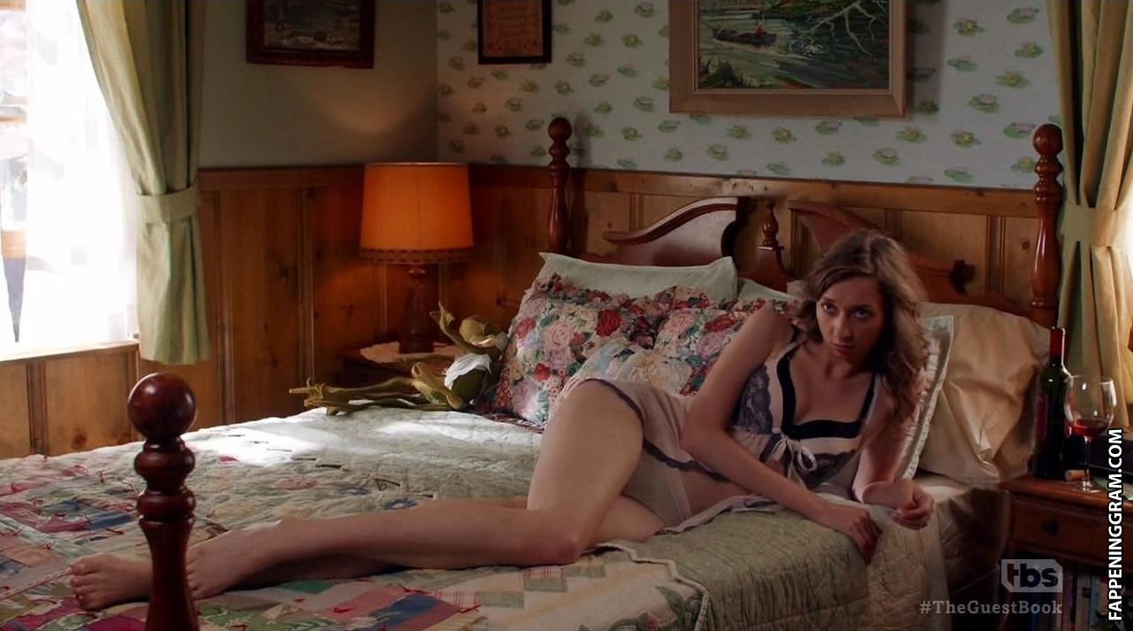 Naked lauren lapkus Lauren Lapkus