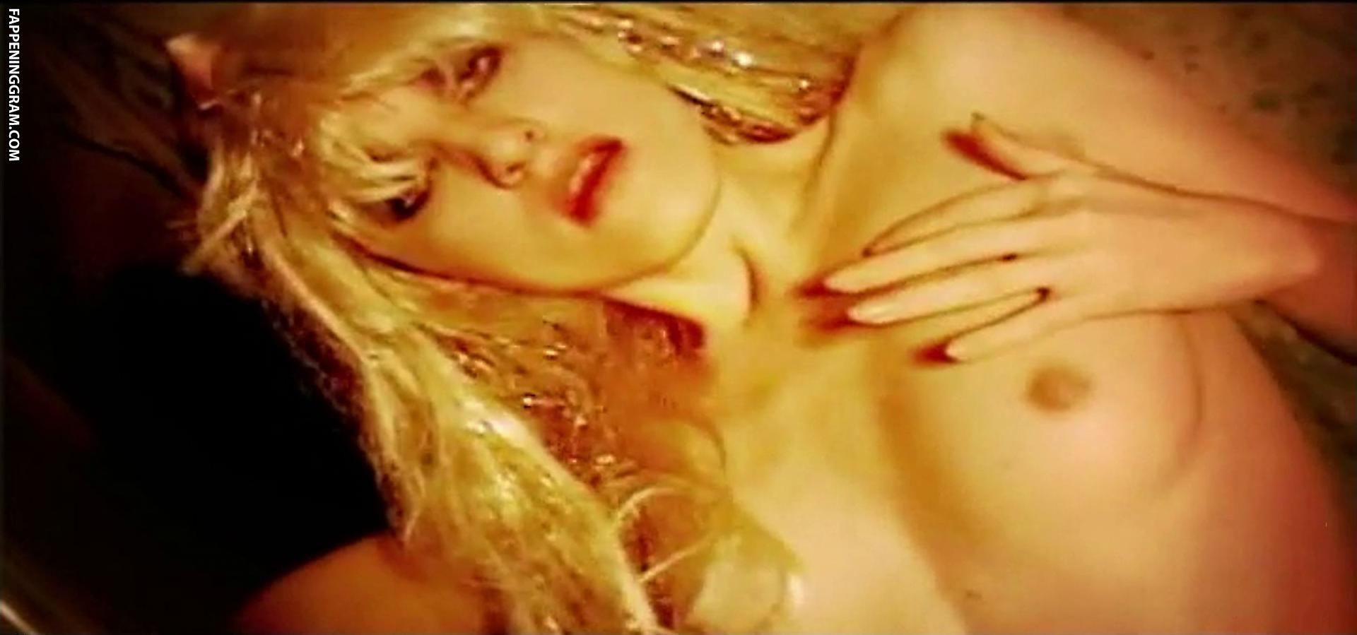 Lea Lawrynowicz Nude