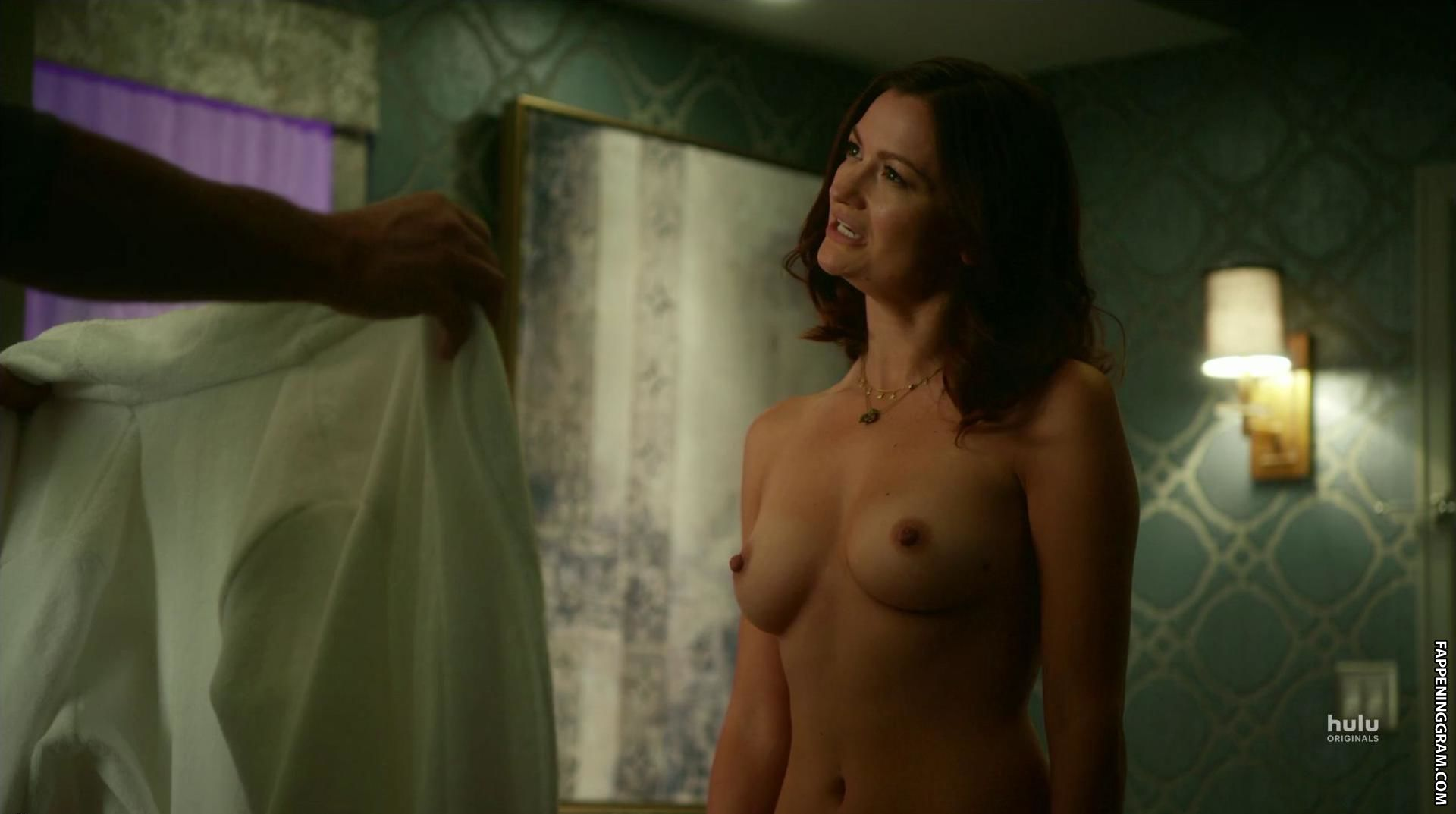 Ayres nude leah Leah Ayres