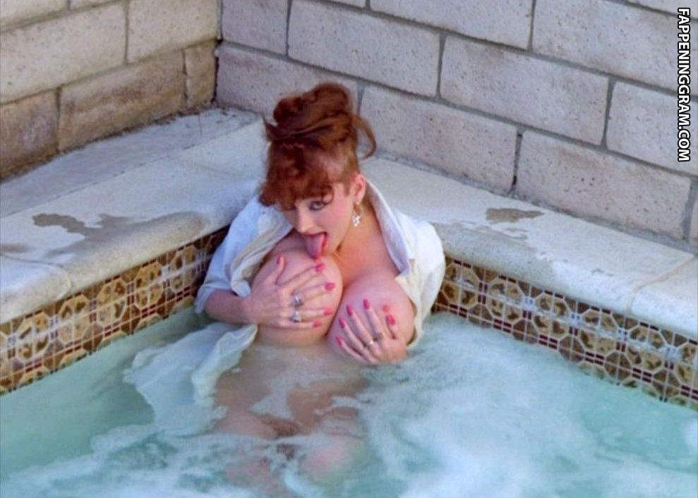 nackt Leasha Nackt unter