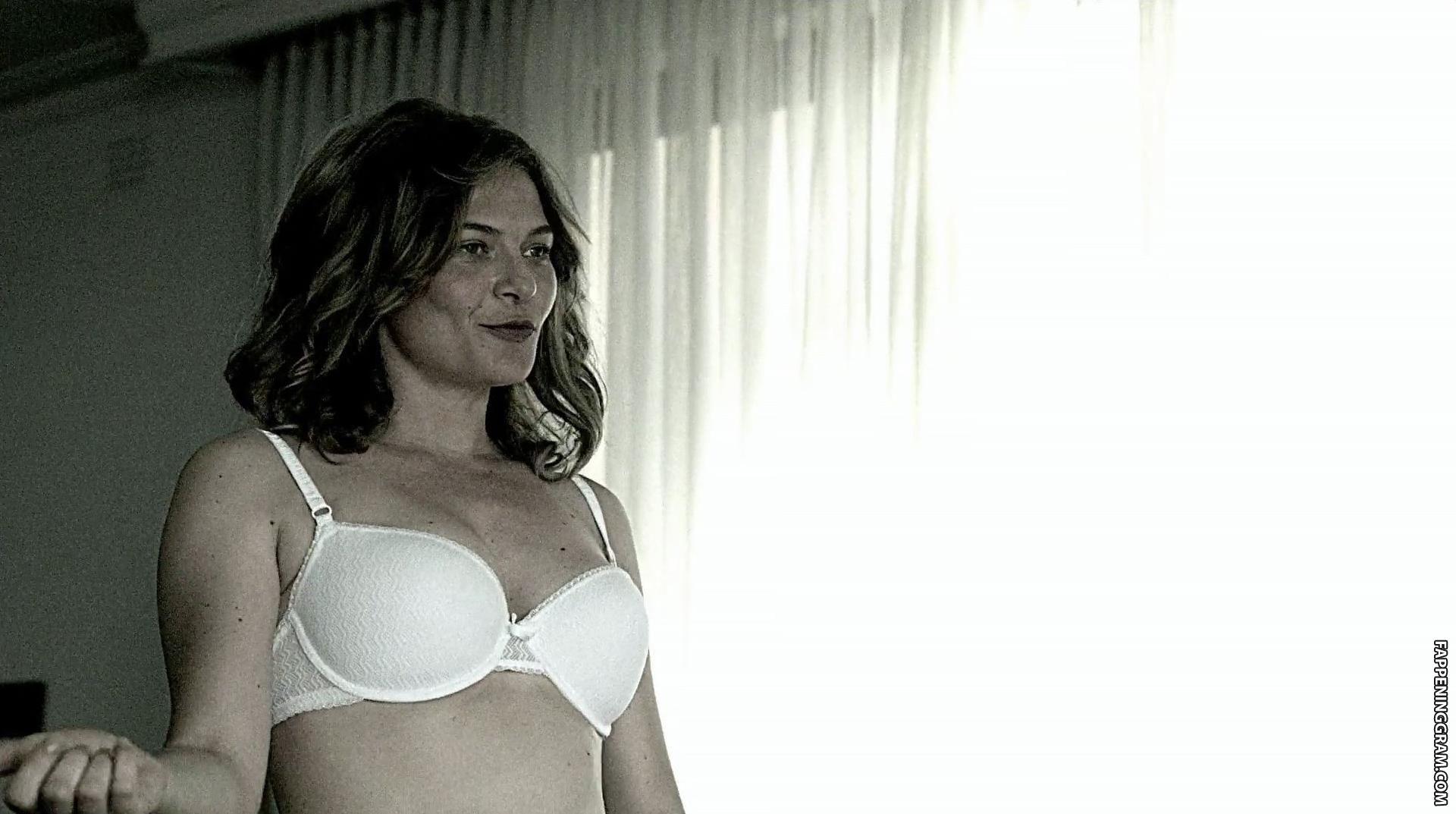 Leeanna Walsman Nude