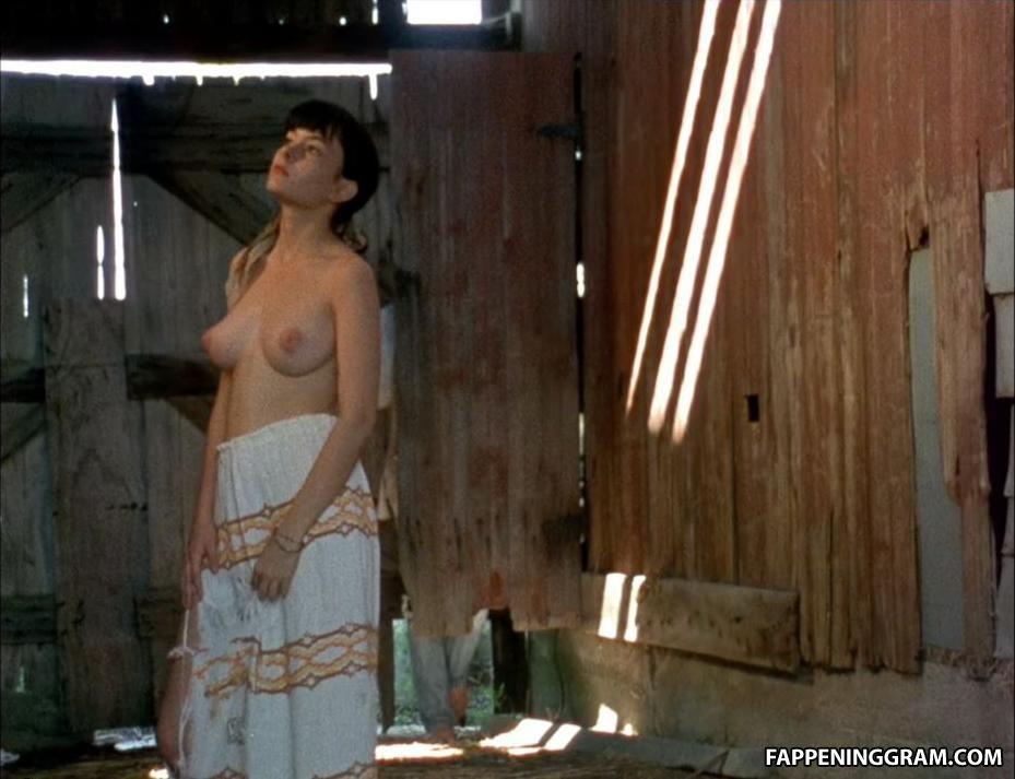 Leslie Orr  nackt