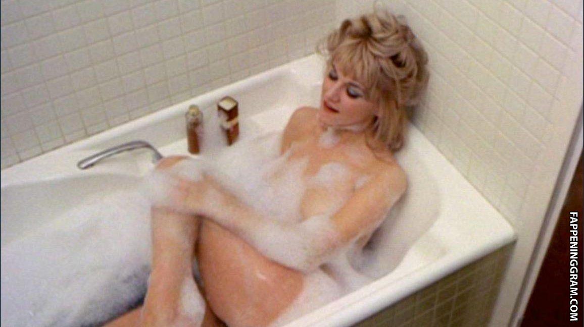 Pauline von naked