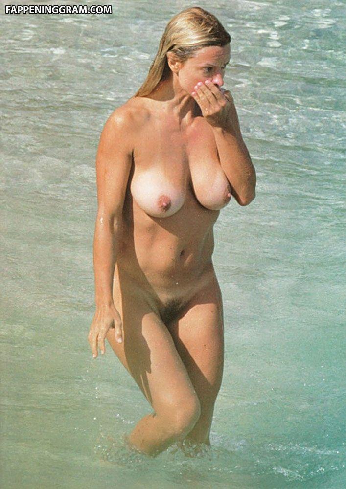 Romina Ricci  nackt
