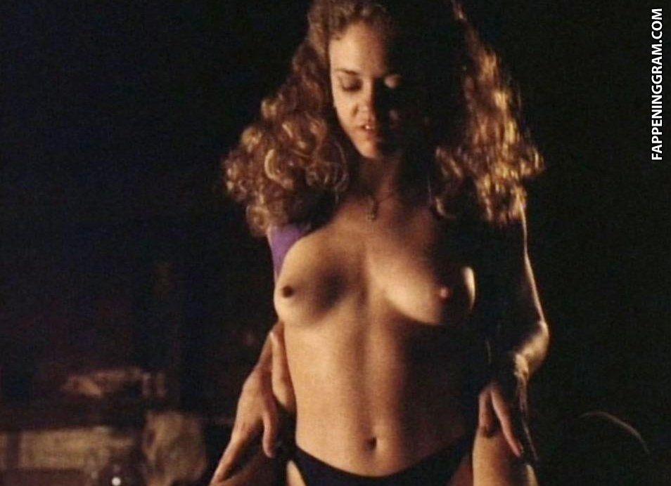 Kate Loustau  nackt