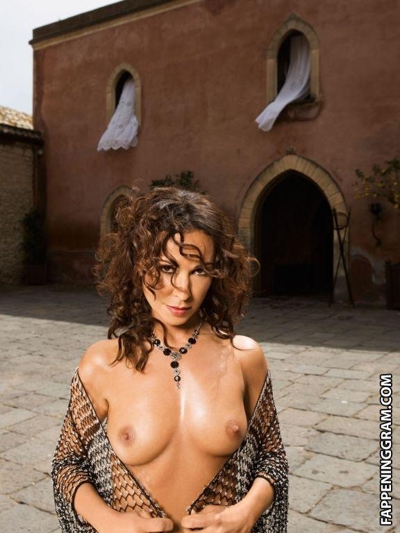 Nackt Melanie Slade  Best Nude