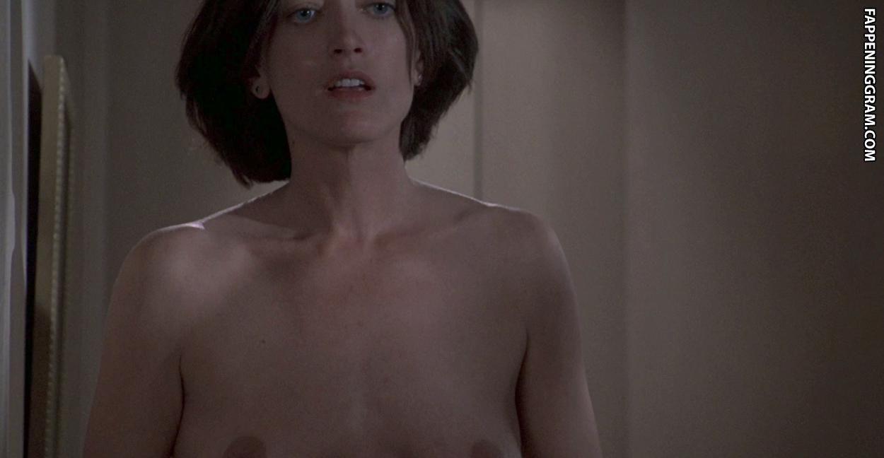 Gayle Gannes  nackt