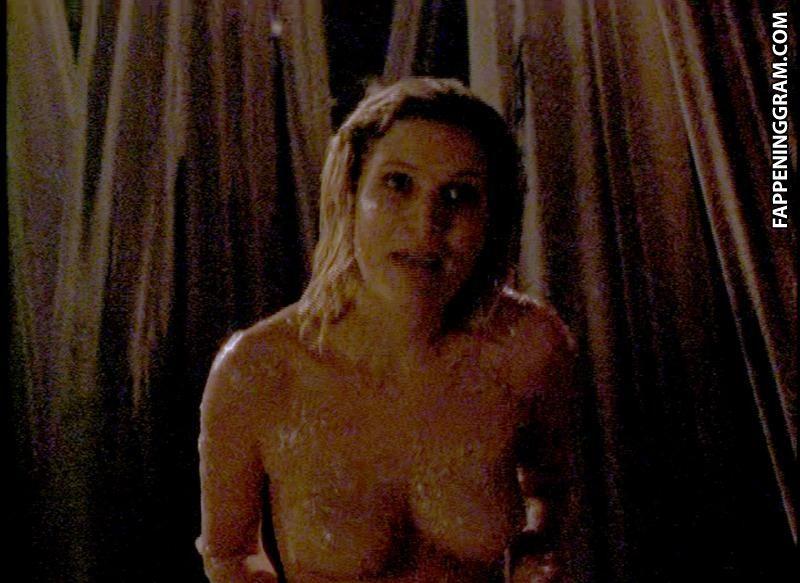 Lily nackt Moulton Lily Moulton
