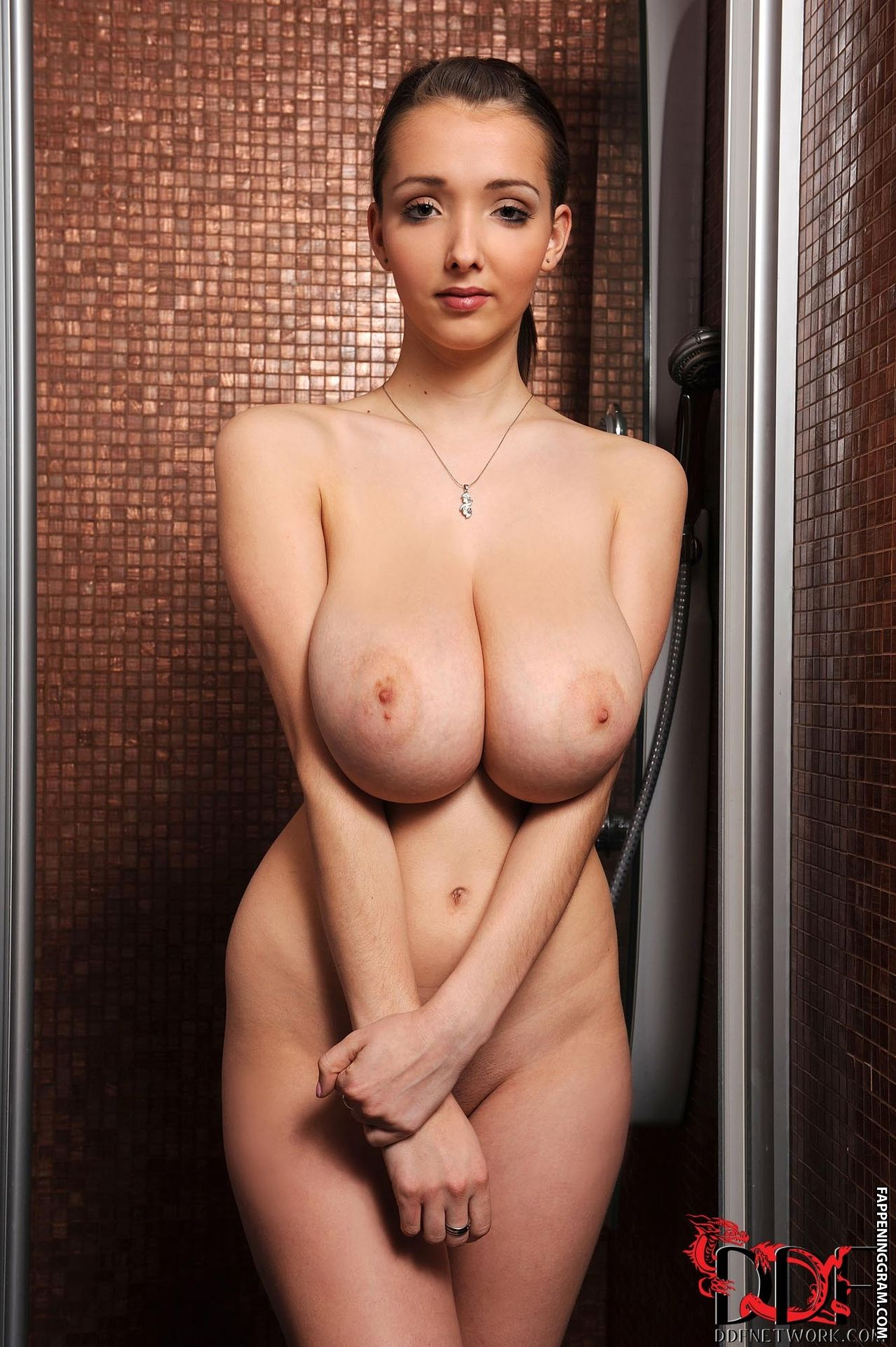 Lucie Wilde Naked