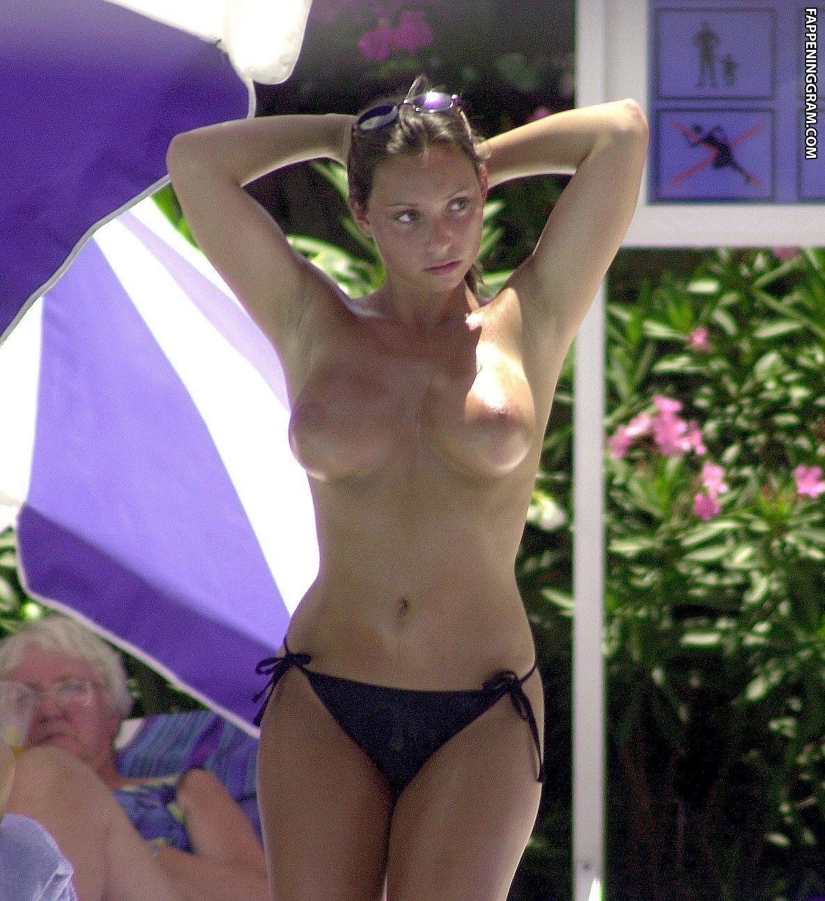 Sweet naked lucinda dickey awesome foreplay