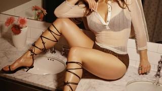 Lucy Woodward Nude Leaks