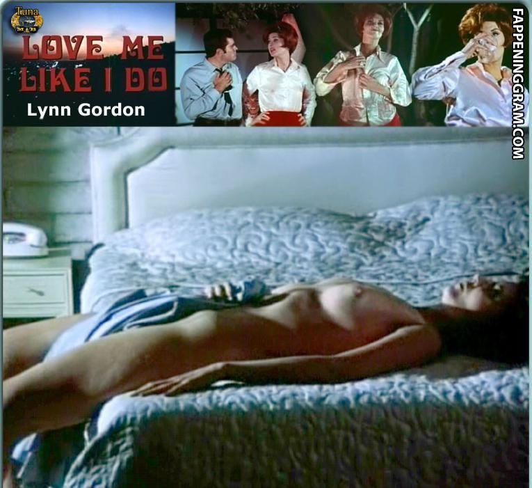 MacKenzie Boyd-Garrison  nackt