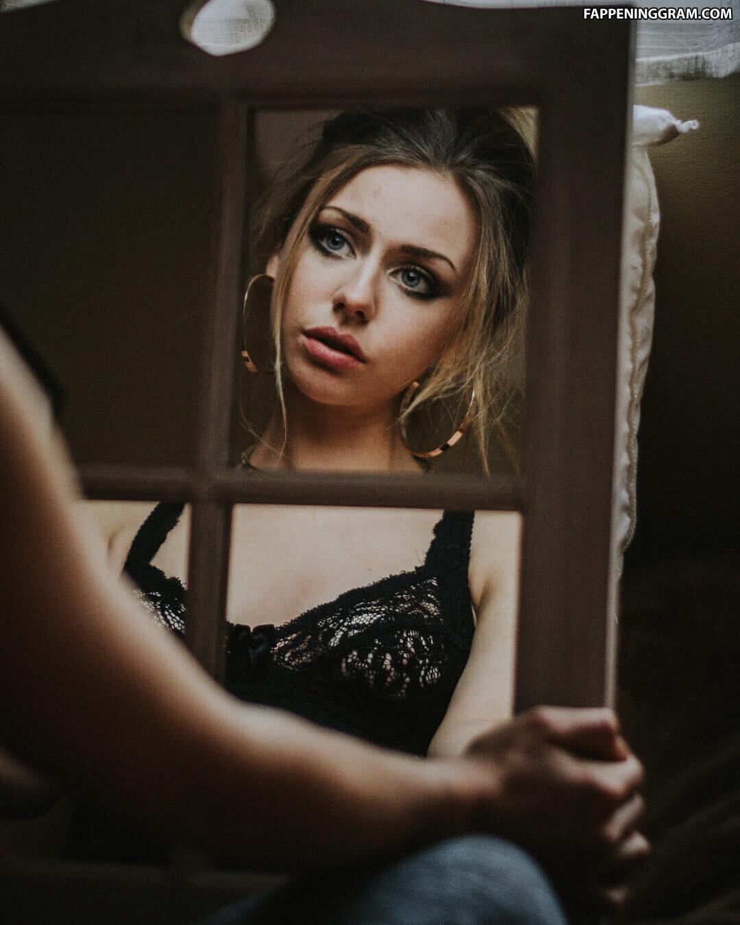 Maddie Phillips Nude