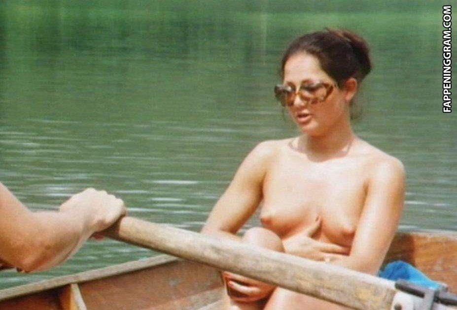 Nackt Rebecca Mosselmann  How to