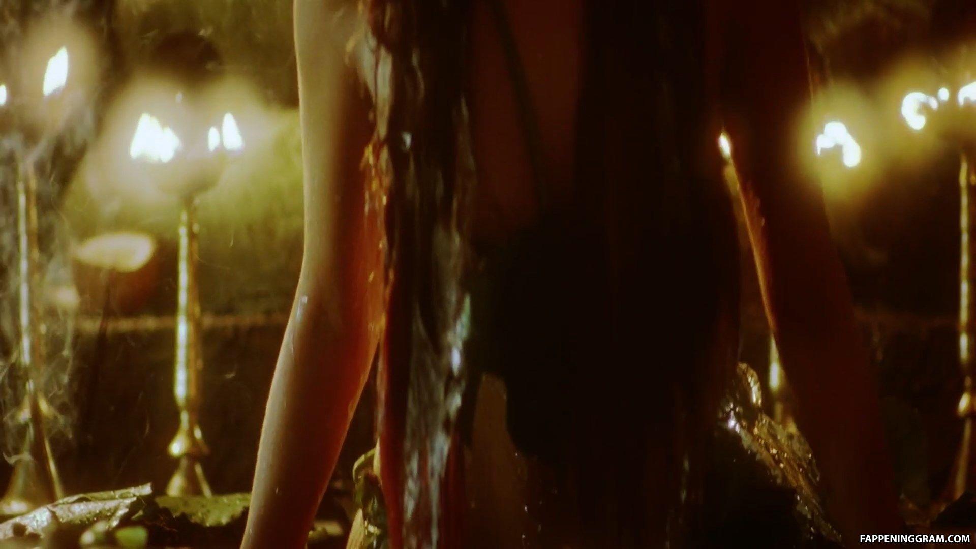 Mallika Sherawat Hot Sex Scene In Murder Picture