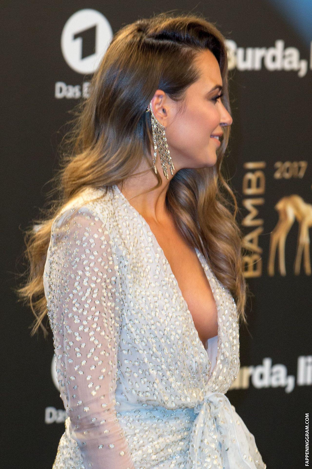 Nackt Grace Valentine  Jennifer Aniston
