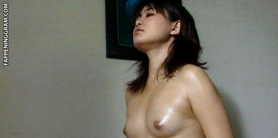 Mao Asami  nackt