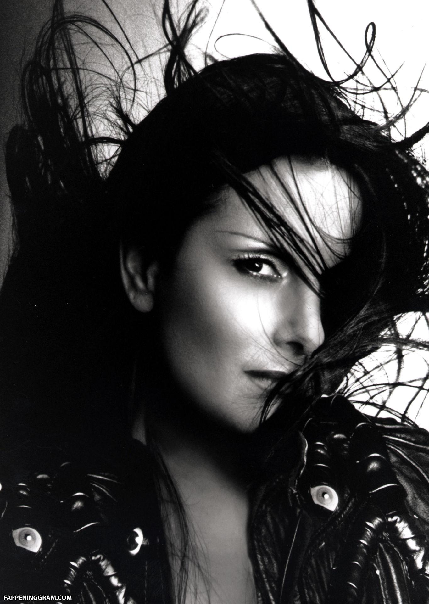 Nackt  Julie Andrade Paige VanZant