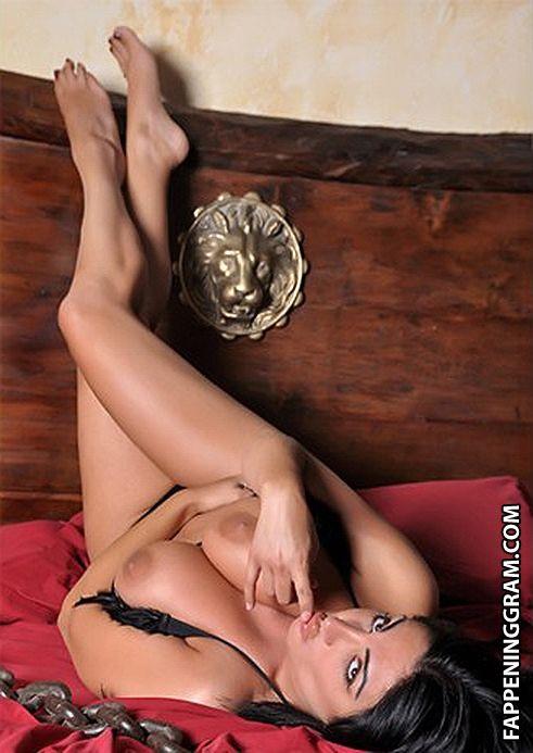 Fruscio naked marika Marika Fruscio