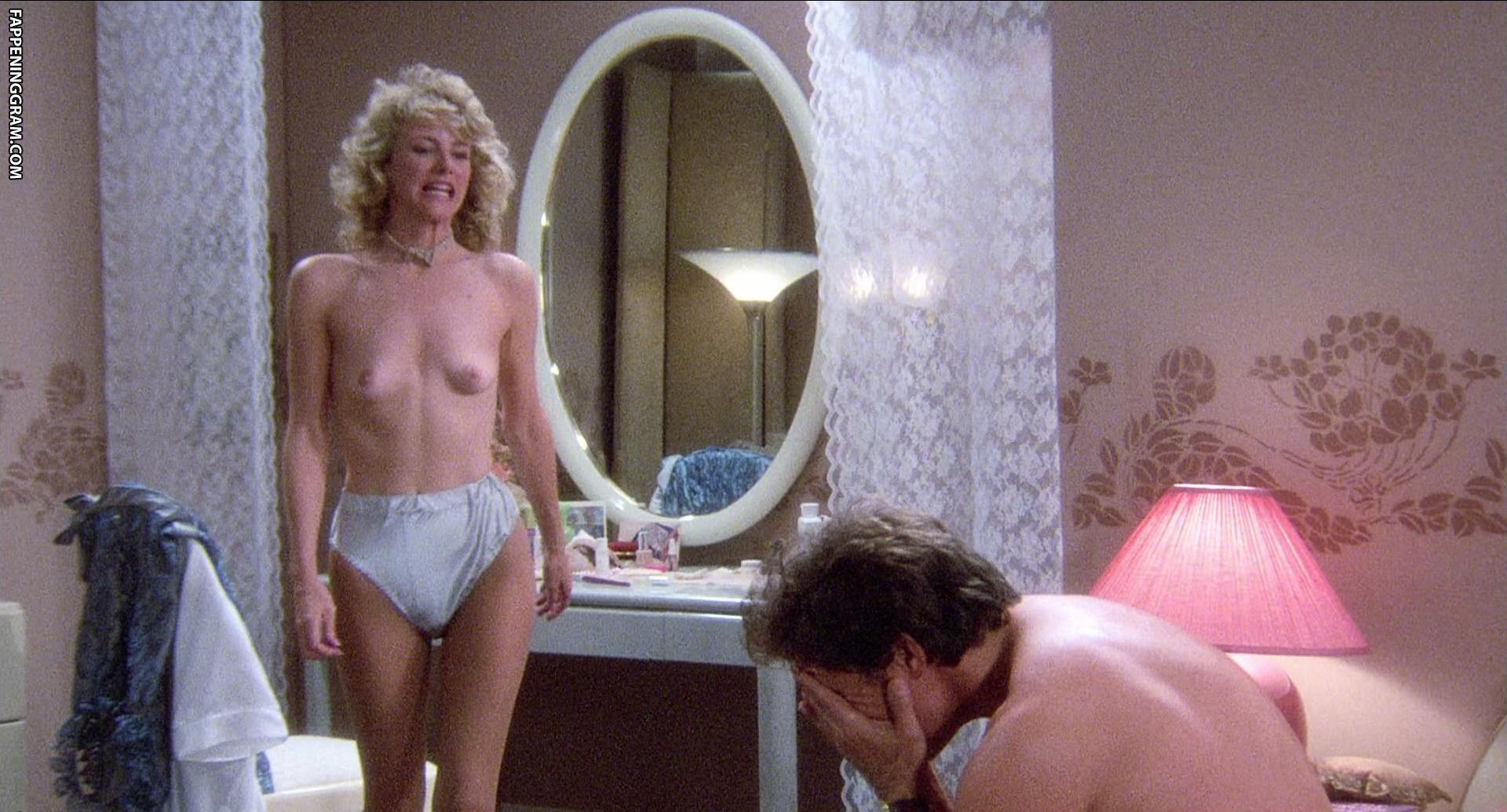 Suzanne Davis  nackt