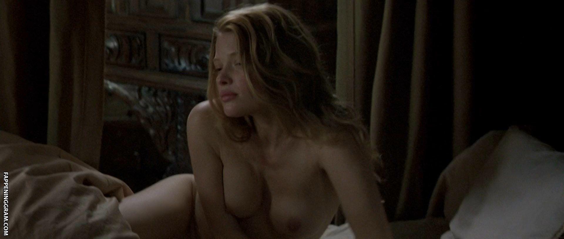 High melanie thierry nude