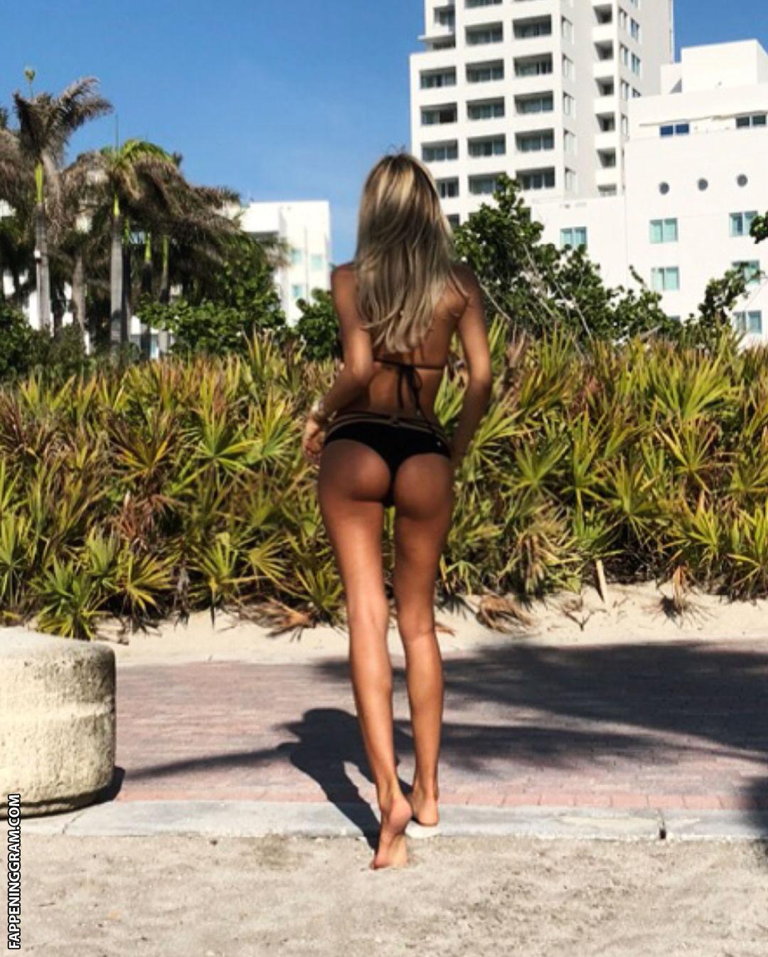 Nackt  Melissa Castagnoli Video of