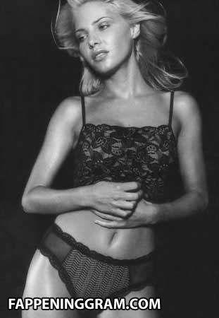 Melissa Tkautz  nackt