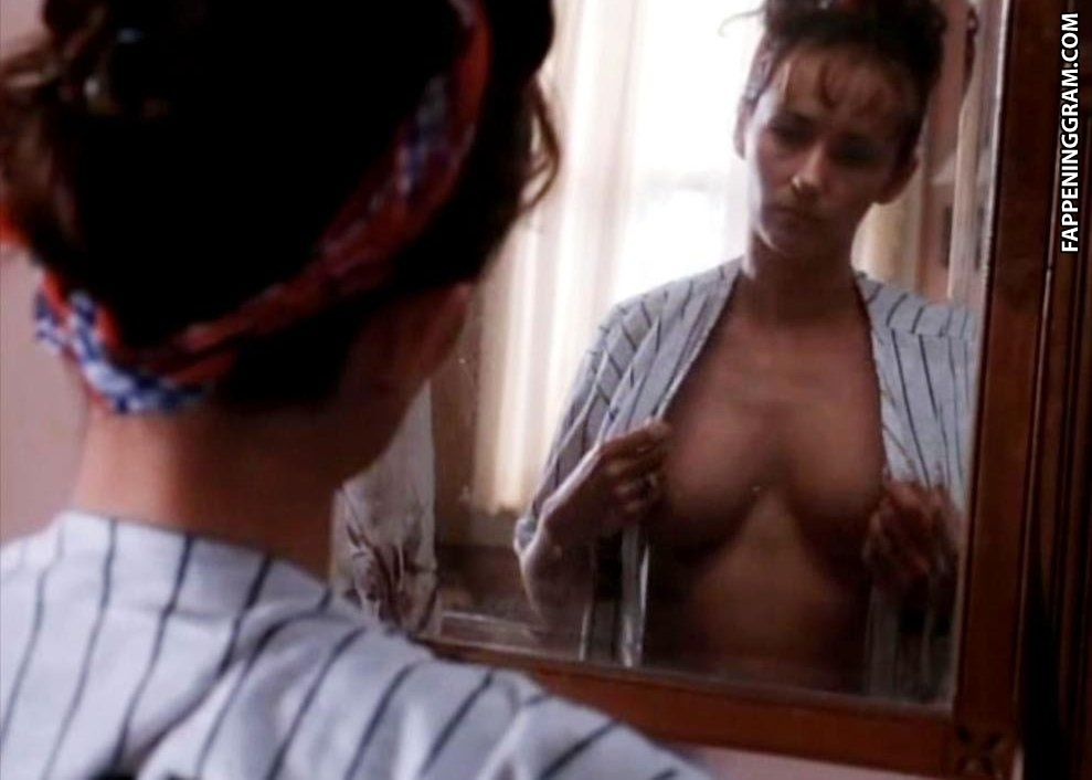 Naked michelle joyner in traces of red ancensored