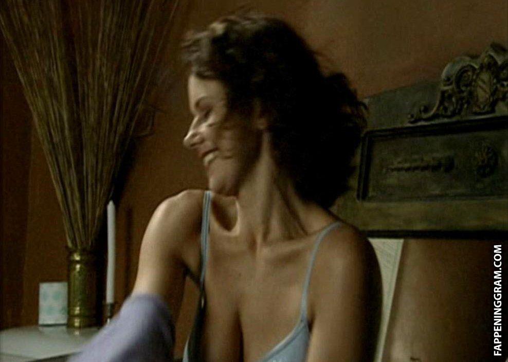 Naomi nackt Achternbusch Naomi Campbell