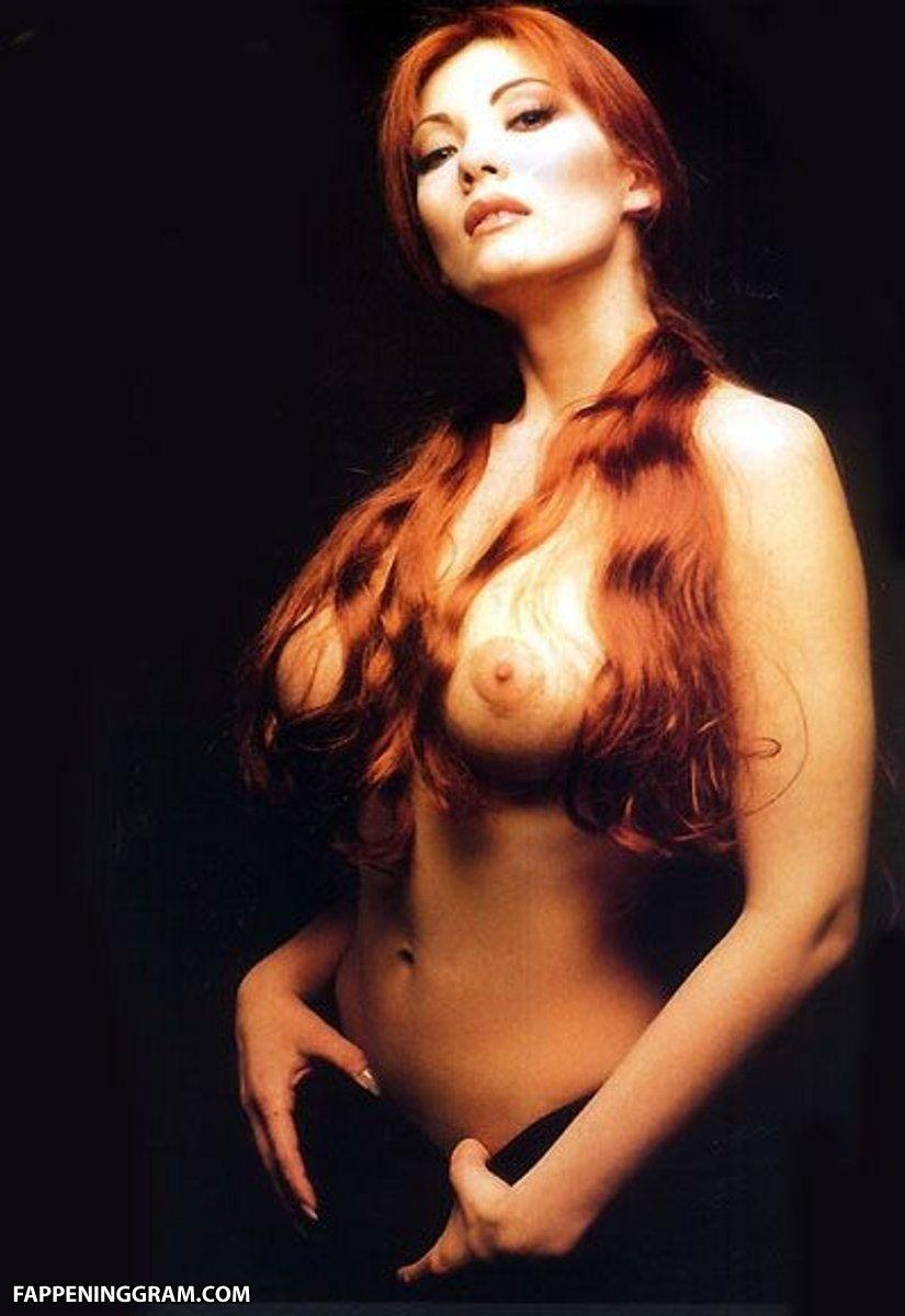 Milena Miconi  nackt