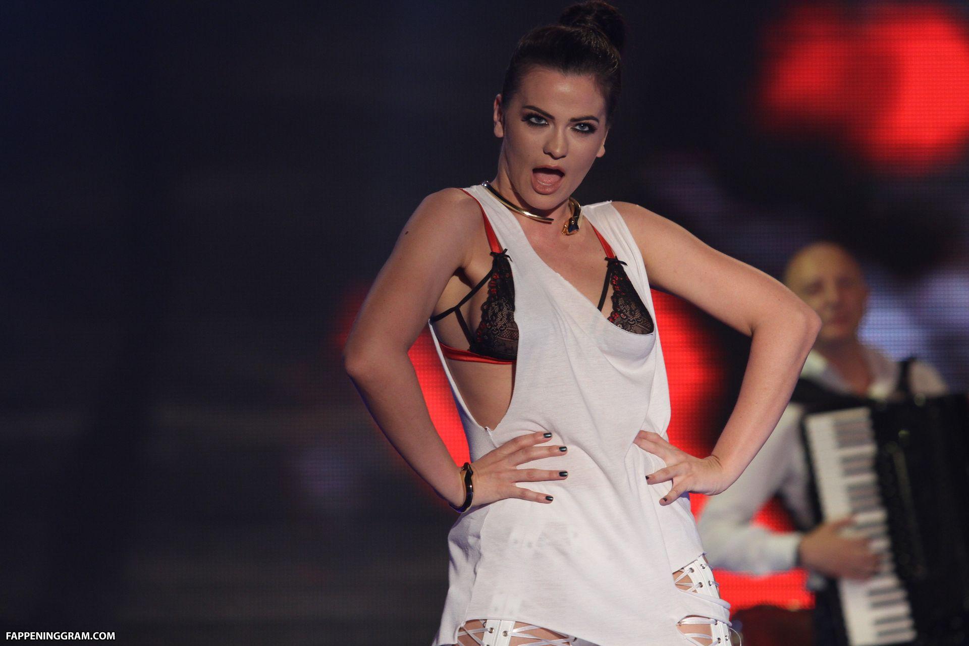 Michelle Minjung Kim  nackt