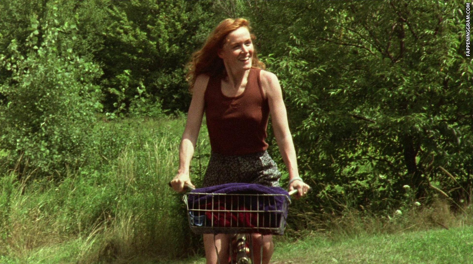 Nackt Miriam Healy-Louie  Actors Miriam