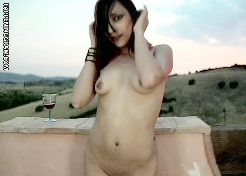 nackt Suicide Mnislahi Hot Girls