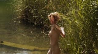 Mona Petri Nude Leaks