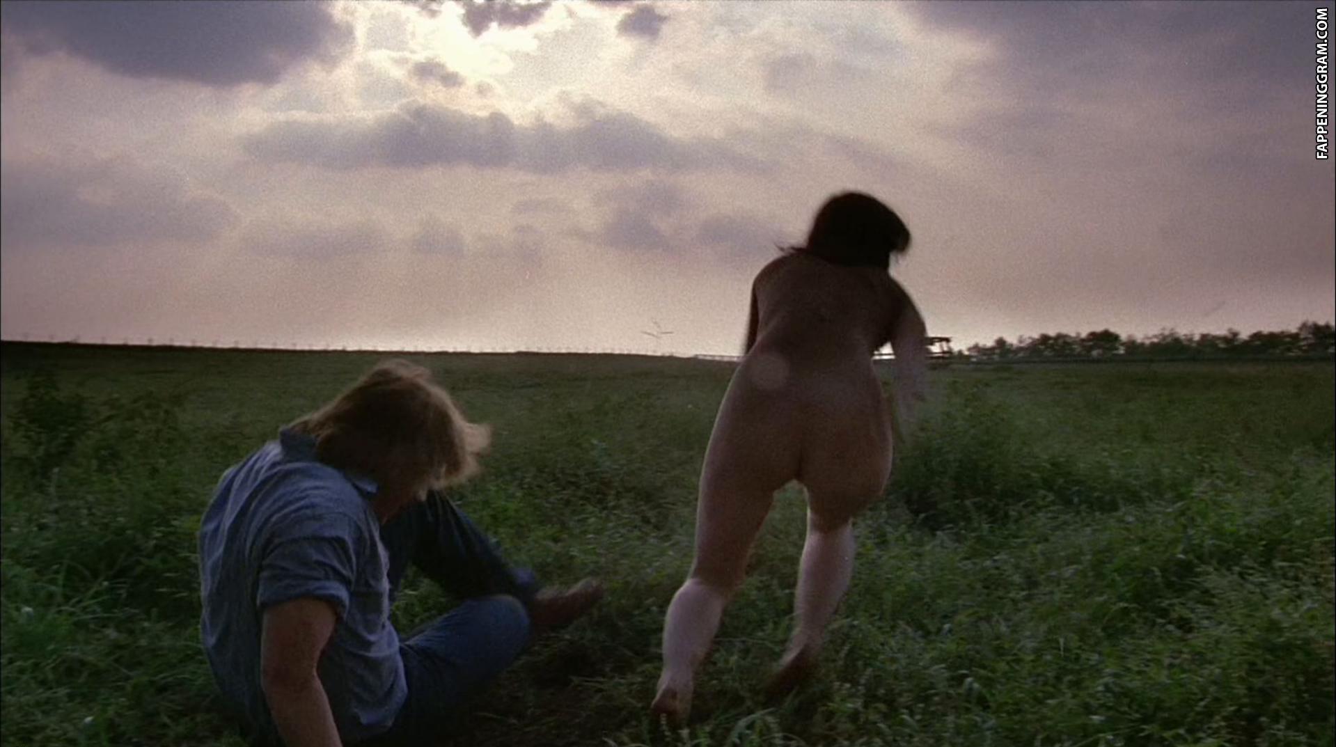 Kaye Elhardt  nackt