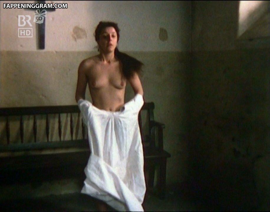 Sophia Lauchlin Hirt  nackt