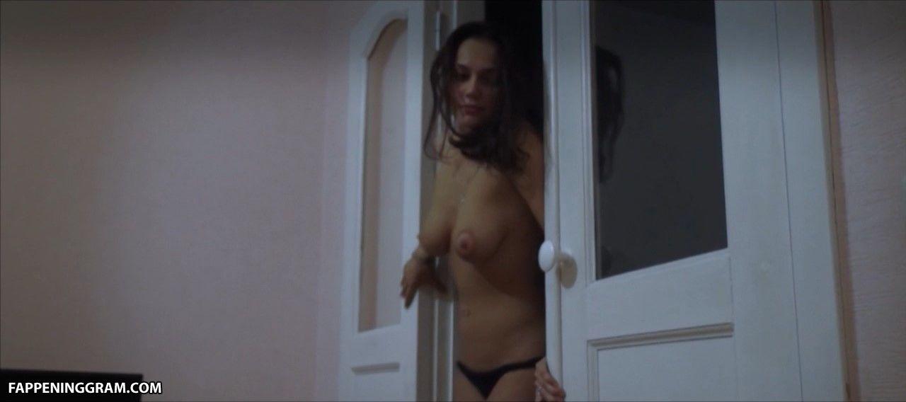 Nadezhda Eleusizova  nackt