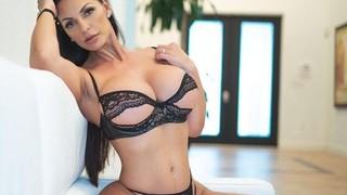 Nadine Kerastas Nude Leaks