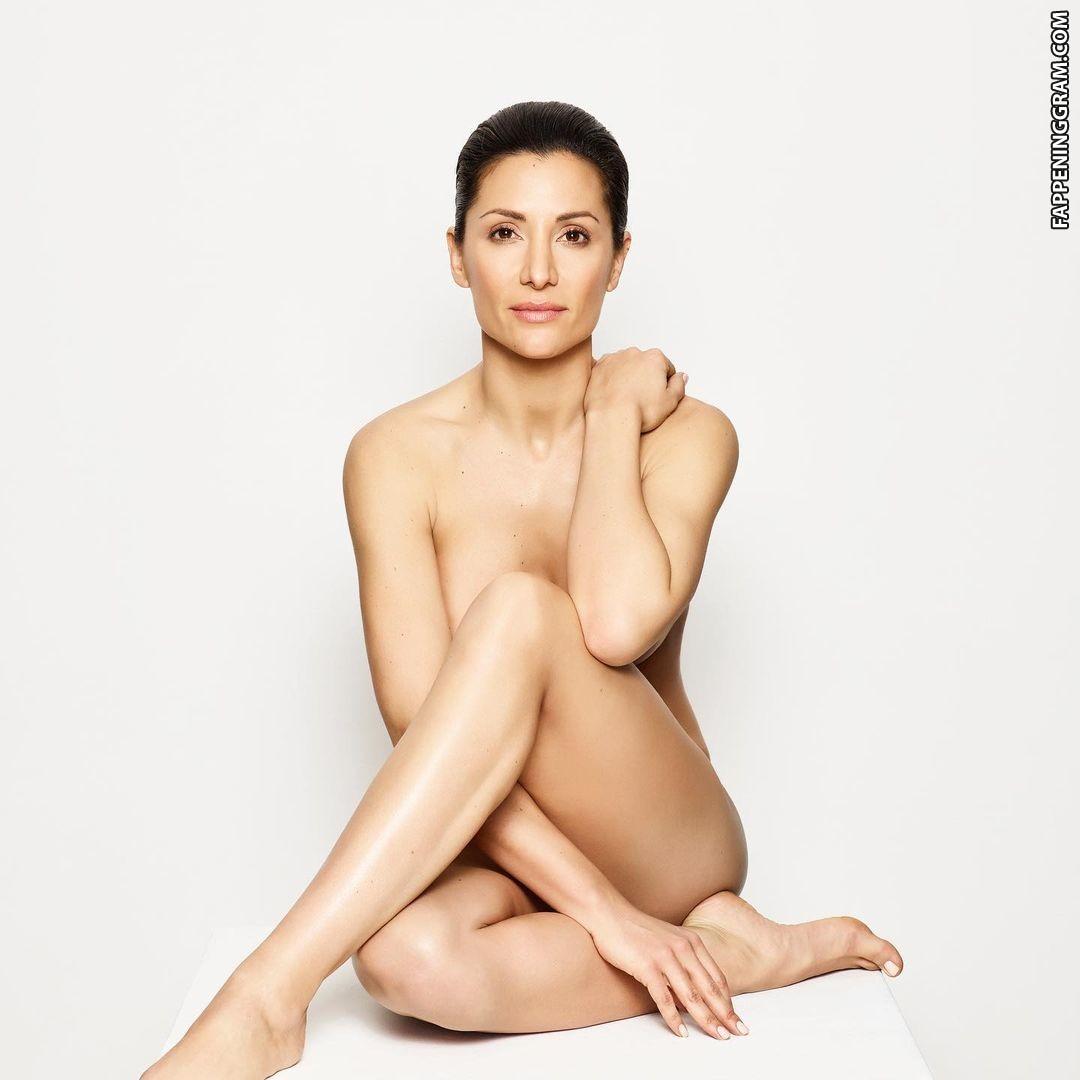 Carol Ng  nackt