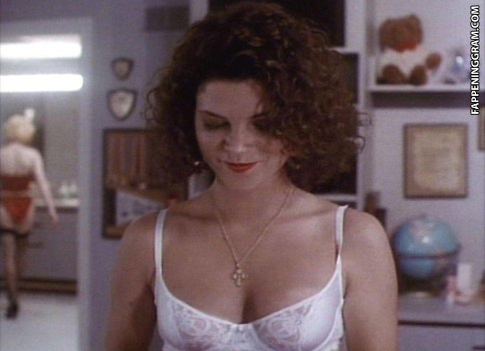 Maureen Teefy  nackt