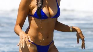 Noureen DeWulf Nude Leaks