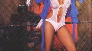 Olivia Longott  nackt