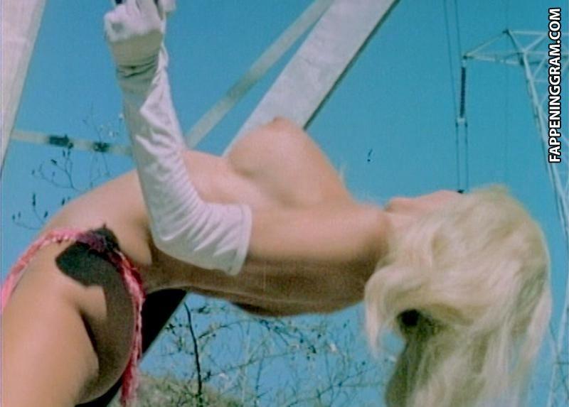 Lara nackt Joanne  Woodman Casting
